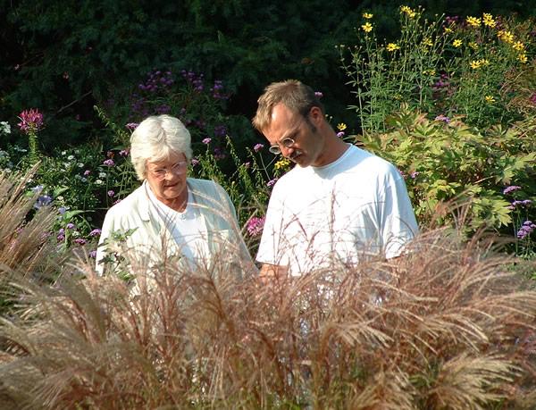 Christian Meyer im Gartengespräch mit Marianne Foerster